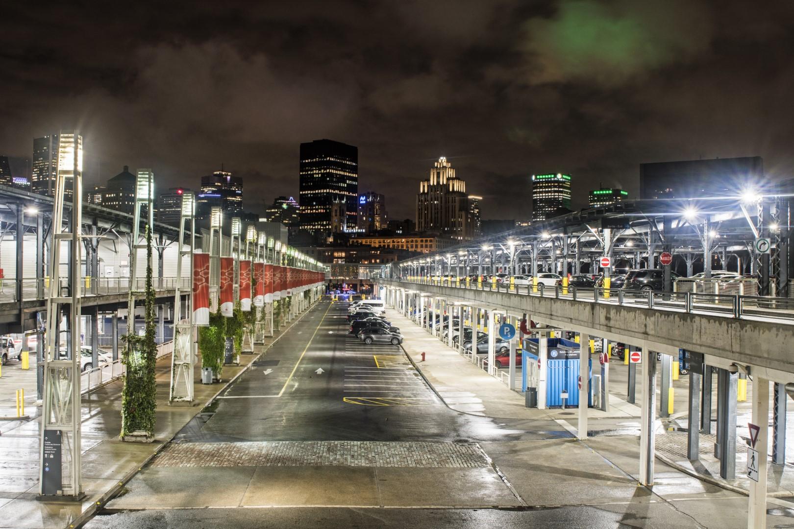 Vieux port la nuit de Claude Gagnon